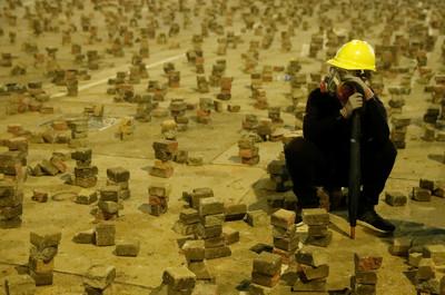 駱惠寧,你真的盼望香港能重回正軌嗎?