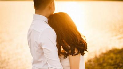 年輕情侶被彩券行外的九重葛吸引 買刮刮樂幸運中百萬元