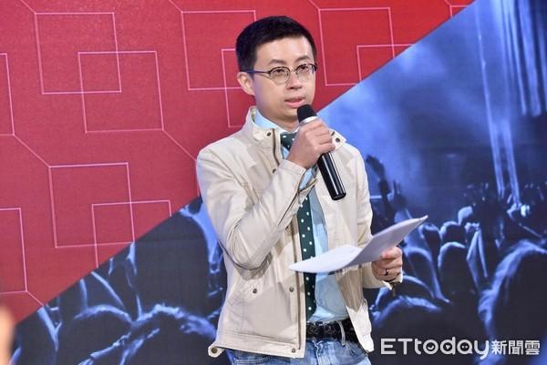 ▲▼歡樂無法黨創黨大會,台北市議員邱威傑呱吉。(圖/記者李毓康攝)