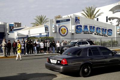 南加州高中槍擊2死!16歲槍手重傷