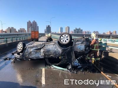 中興橋貨車與2車碰撞 女子卡車內被燒死