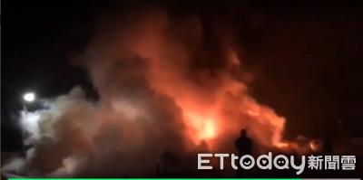 旭海火燒船烈焰衝天 海巡+消防急滅火