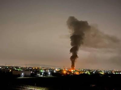 彰化工廠倉庫大火 烈焰照亮黑夜