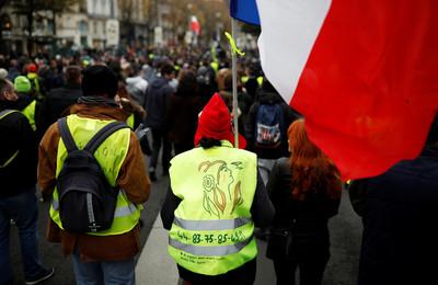 黃背心運動1周年 示威者籲直接民主