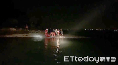 學生夜遊登金門建功嶼受困 海巡救7人上岸
