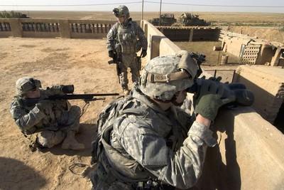 自由伊拉克作戰的「城鎮狙擊戰術」變革