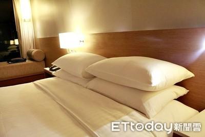 飯店床單棉被全是白色!達人「解密4原因」