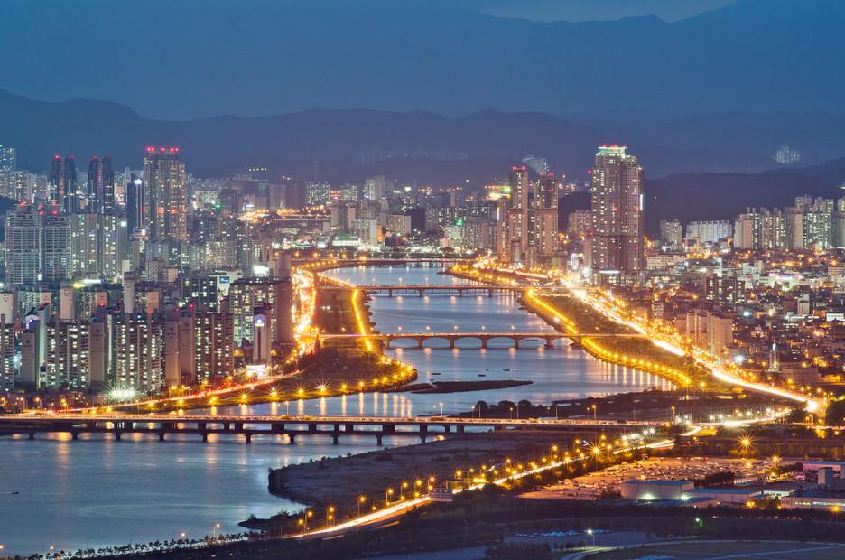 ▲▼南韓蔚山市太和江畔夜景(圖/翻攝自維基百科)
