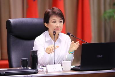 韓國瑜台中競總延期 盧秀燕成立當天接主委