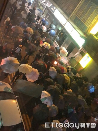 ▲香港佐敦爆發激烈衝突1118。(圖/讀者授權提供)