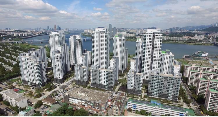 ▲▼能遠眺漢江全景得首爾住宅AcroRiverPark,每坪突破261萬台幣(圖/翻攝自Naver Blog)
