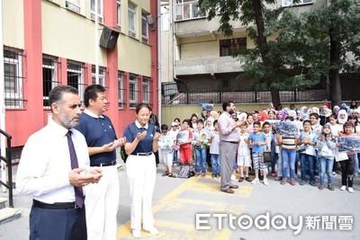 敘利亞難民教授 為土耳其敘童創希望