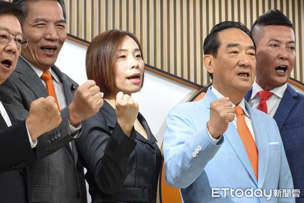 ▲親民黨公布不分區立委名單,排名第一滕西華。(圖/記者林敬旻攝)