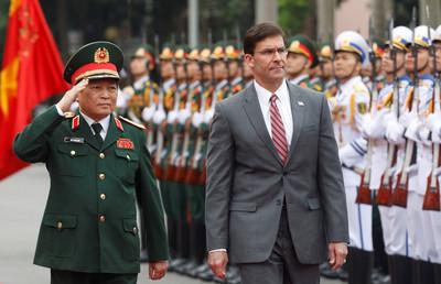 美防長訪越 宣布贈送巡防艦