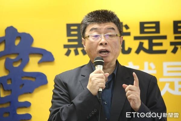 ▲▼新黨公布不分區立委提名名單記者會,邱毅 。(圖/記者屠惠剛攝)