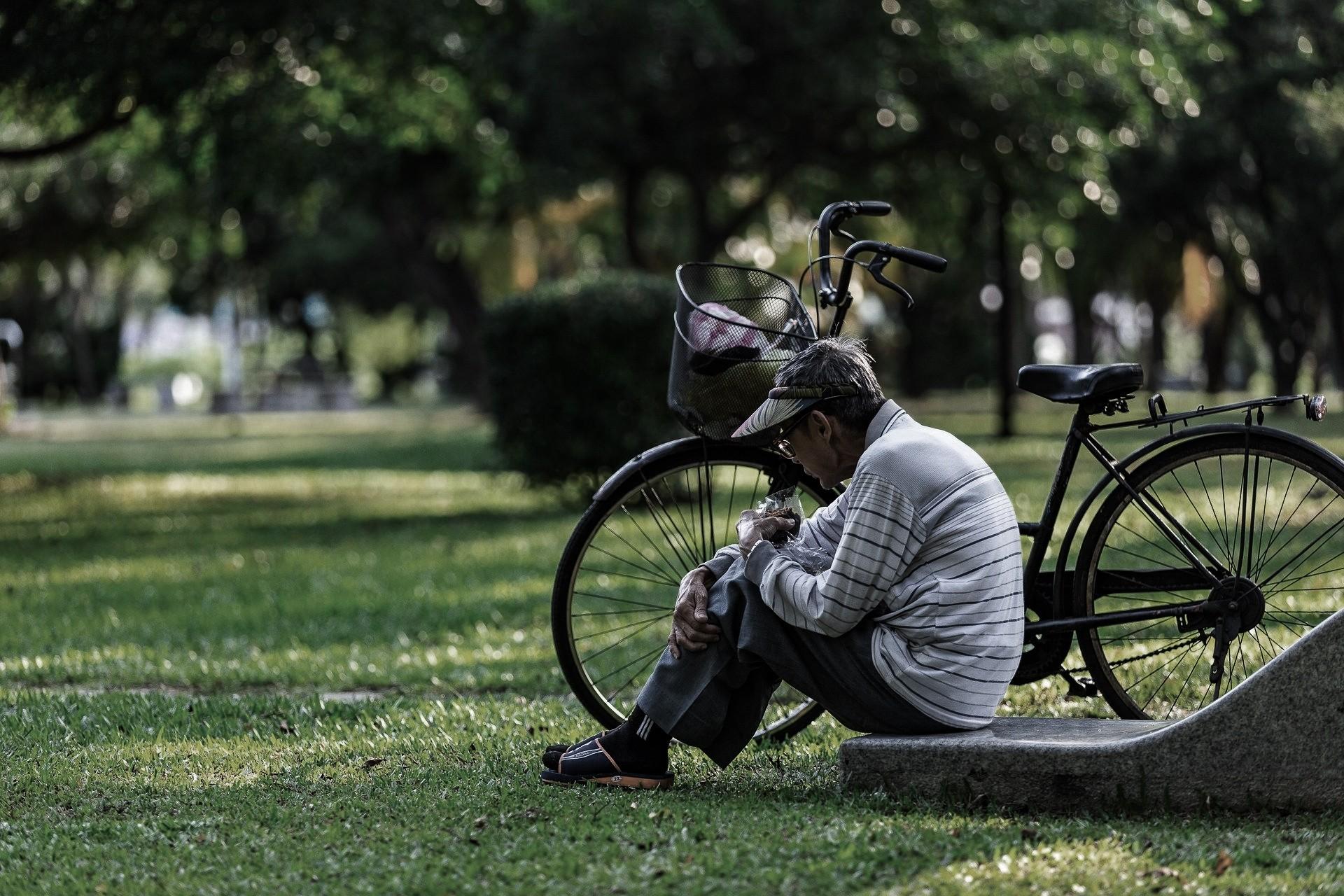 ▲老人,窮人,獨居老人。(圖/取自免費圖庫Piaxabay)