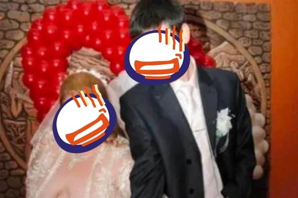 ▲▼新娘「超垂八字奶」外露。(圖/翻攝自Reddit)