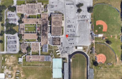 高中學校地下1.5公尺處埋400屍!