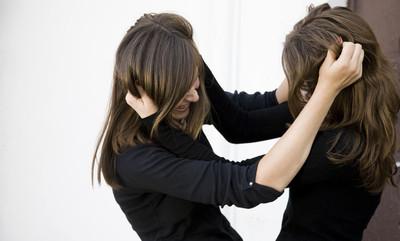 為了男友打起來 19歲女害正妹閨密毀容