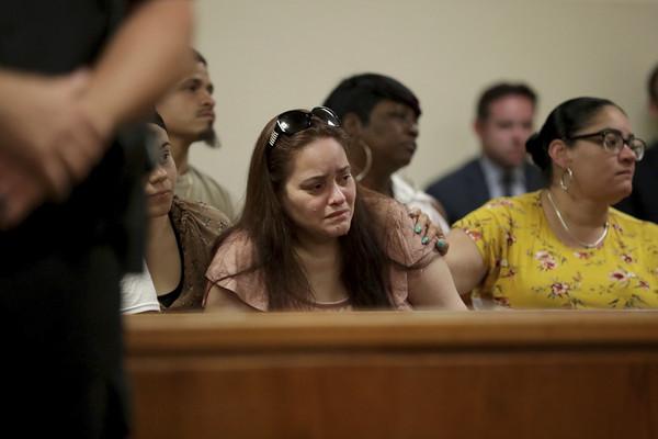 ▲美國紐澤西27歲女子亞曼達(Amanda Ramirez)酒後殺死雙胞胎妹妹安娜(Anna)。(圖/達志影像/美聯社)