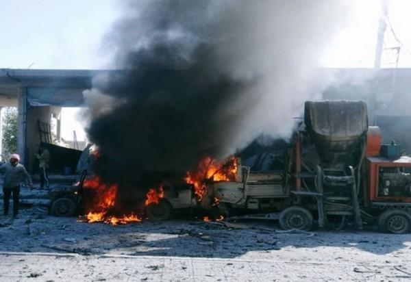 ▲敘北23日發生汽車炸彈攻擊,9死20多傷。(圖/翻攝自推特)