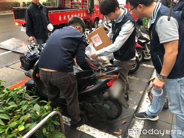 攤商脫產拒繳罰單「攏無效」 警結合行政執行手段拍賣商品