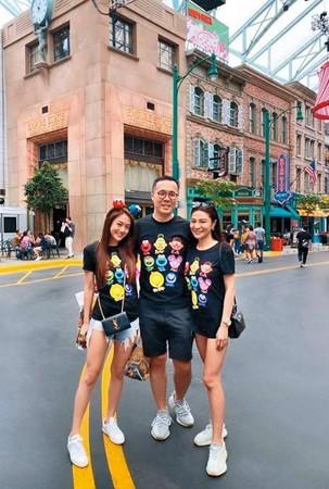 知情人士爆料,趙元同(中)在還沒婚變之前就周旋在林以婕(右)跟林千又(左)之間。圖為趙元同「雙林同遊」到新加坡爽玩的畫面。(翻攝自林千又IG)