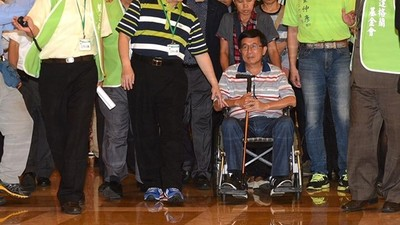 陳水扁保外就醫展延20次 癌末受刑人「剩半年能回」卻得回監 教師批雙重標準