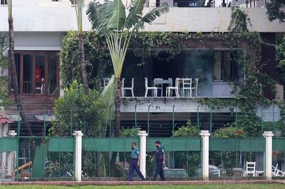 襲擊咖啡廳釀22死 7人被判死刑
