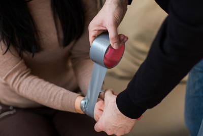 16歲男孩機警從性侵犯手中救出9歲女童