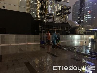 獨家直擊高以翔錄影現場  工人冒雨拆設備