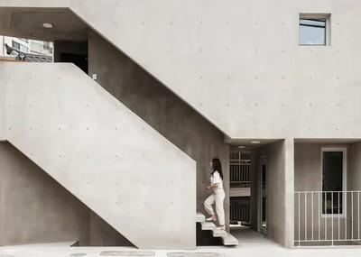 韓國28坪混凝土三角形建築