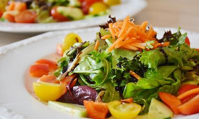 美國蘿蔓生菜爆汙染 5招避免食物中毒