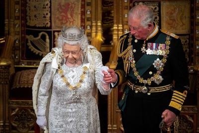 英媒瘋傳!英國女王2021年退休