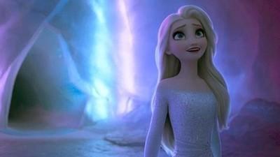 《冰雪奇緣2》從安娜、艾莎服裝看「劇情關鍵」 多了點成熟的韻味