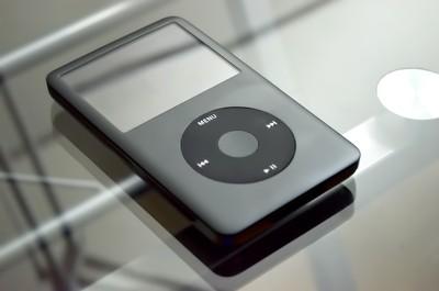 短命App!模擬iPod介面在iPhone播音樂 遭蘋果強制下架