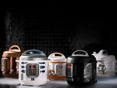 BB-8、黑武士化身煮飯機器人!