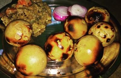 印度禁用牛糞煙燻「異香破酥包」 數千攤販上街抗議:沒這味就不道地