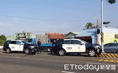 台南2警車遭大貨車追撞5受傷