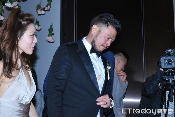 ▲毛加恩婚宴,賓客眼眶泛淚。(圖/攝影中心)