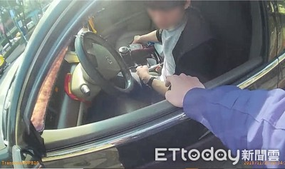 酒味男拒檢警匪追逐還撞機車肇逃
