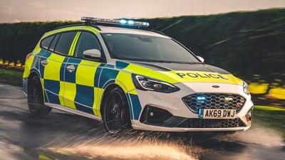 英國新警車測試Focus ST、Raptor
