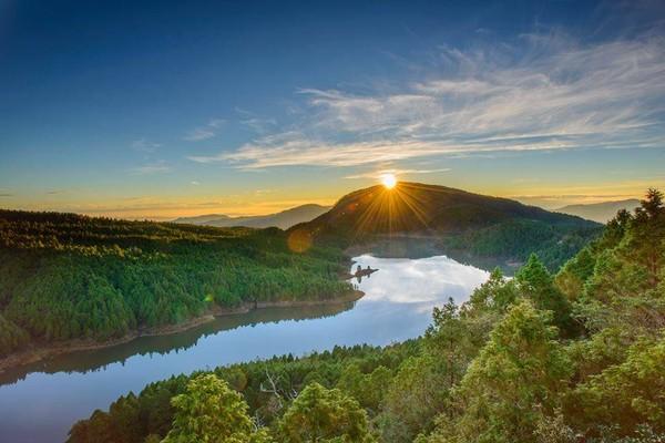 直達宜蘭太平山「最美鏡面湖泊」仙境!翠峰湖接駁車2人成行 還能免費入園