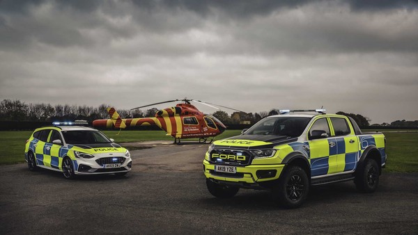 ▲英國警車測試Ford Focus ST Estate、Ranger Raptor。(圖/翻攝自Ford)