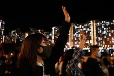 港人紀念831事件 區選後港警首射催淚彈