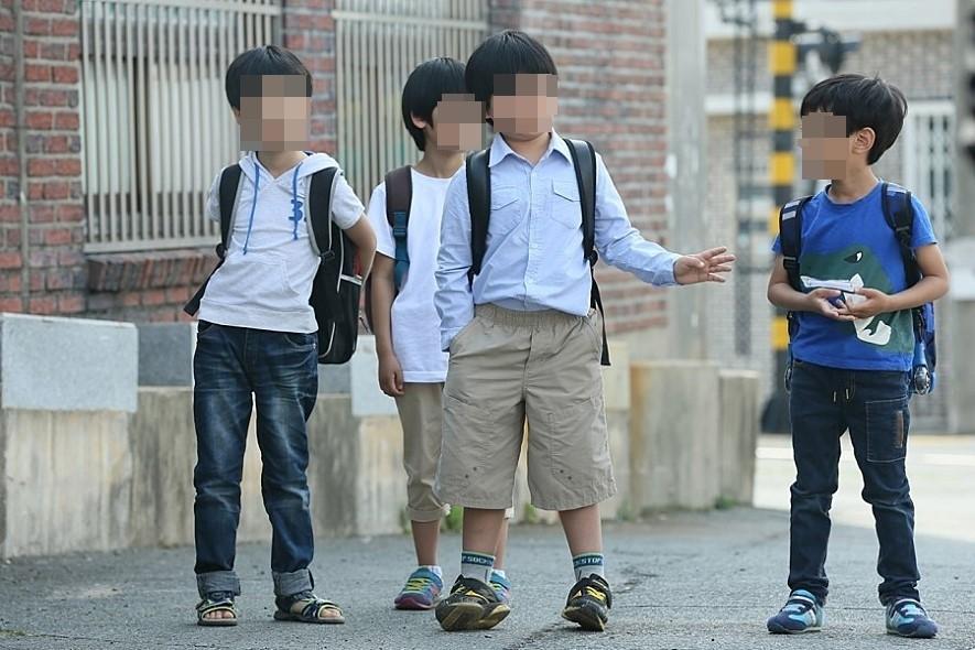 ▲▼加害男童開口威脅其他3名男同學,不准告訴師長、父母(示意圖/電影《素媛》劇照/取自Naver Movie)