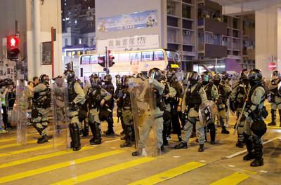 影/鄧炳強5個「又再」連轟示威者:要人命