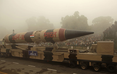 印度試射烈火-3導彈 飛歪墜海GG了