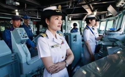 只花3年!她成日本首位神盾艦女艦長