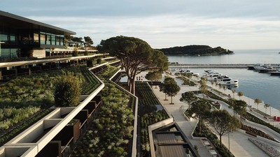 被自然綠意圍繞的度假酒店